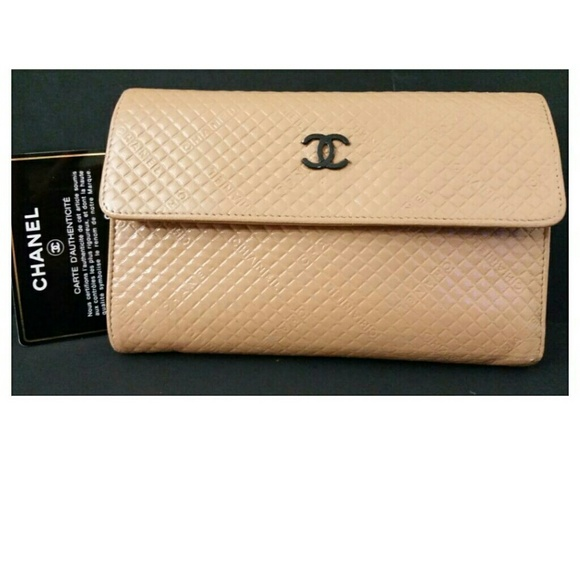 dd901c27e40d CHANEL Handbags - Auth CHANEL Long Leather Wallet +Authenticity Card